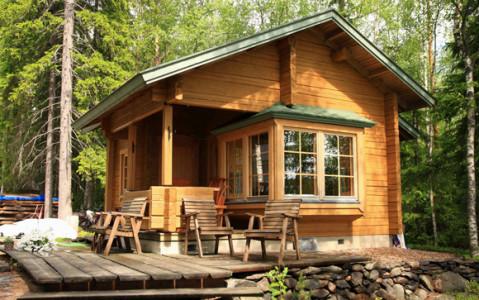 Многие люди выбирают проект дома с террасой. Она придаст респектабельность всего дома в целом и обеспечит комфорт хозяевам.